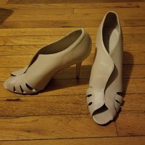 Size 12m peep toe nude heels